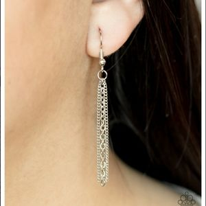 paparazzi Jewelry - Towering Twinkle Necklace